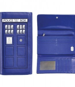 Monedero-Grande-con-Forma-de-Tardis-de-Doctor-Who-0