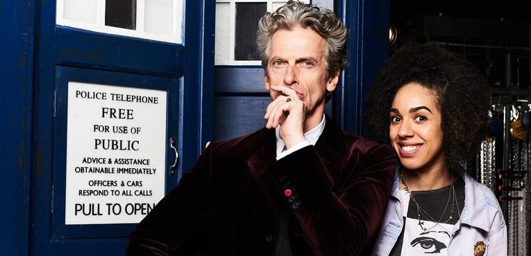 series-viajes-en-el-tiempo-doctor-who-pearl-mackie-peter-capaldi-viajeros-en-el-tiempo-10-temporada-