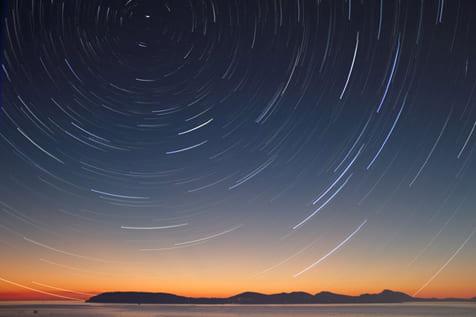 teoria-de-cuerdas-y-gravedad-cuantica-de-bucles-viajes-en-el-tiempo-viajeros-en-el-tiempo